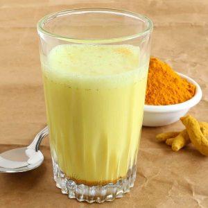 Les incroyables propriétés du curcuma au lait